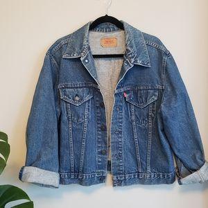 Vintage Levi's denim jacket size 46
